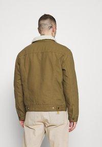 Levi's® - TYPE 3 SHERPA TRUCKER - Light jacket - cougar - 2