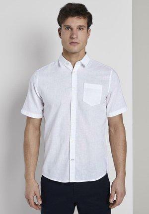 BLUSEN & SHIRTS KURZARMHEMD AUS LEINENGEMISCH - Shirt - white