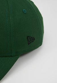 New Era - LEAGUE ESSENTIAL 9FORTY - Cappellino - dark green - 4