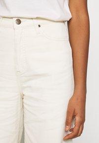 Lee - STELLA A LINE - Flared Jeans - ecru - 4