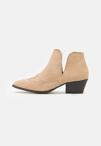 YASSOUTH - Ankle boots - creme/gold