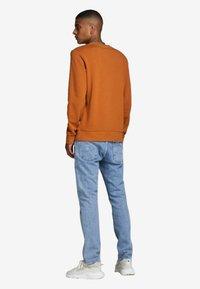 Jack & Jones - Sweatshirt - umber - 2
