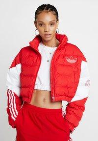 adidas Originals - CROPPED PUFFER - Vinterjacka - scarlet/white - 0