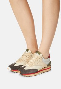 Bronx - MA-TRIXX - Sneakers laag - asphalt/camel/khaki - 7