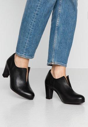 WILMA - Classic heels - light black