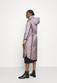 Hunter ORIGINAL - WOMENS REFINED LONG QUILTED COAT - Cappotto invernale - metallicred - 3