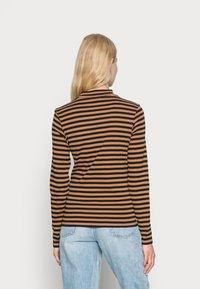 edc by Esprit - FULL NEELDE MOCK NECK STRIPED - Long sleeved top - bark - 2