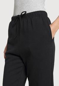 Pieces - PCCHILLI PANTS - Pantalones deportivos - black - 4