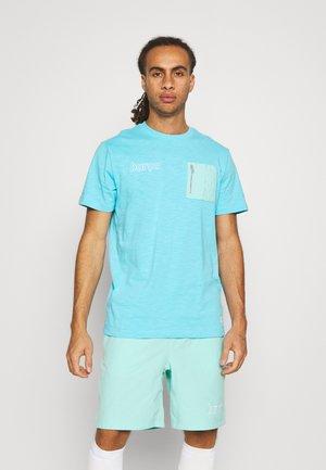 FC BARCELONA - Club wear - lagoon pulse/tropical twist/white