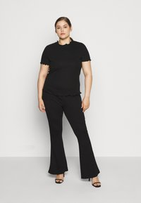Even&Odd Curvy - SEMI FLARED - Leggings - black - 1