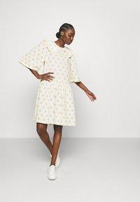 Stella Nova - Denní šaty - simple follows - 1