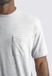Icebreaker - T-shirt basic - blizzard hthr - 4