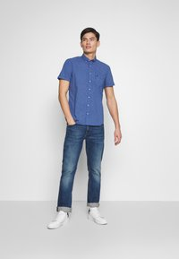 Marc O'Polo - BUTTON DOWN SHORT SLEEVE TURNED UP ONE POCKET FACING AT PLACKET - Shirt - mazarine blue - 1