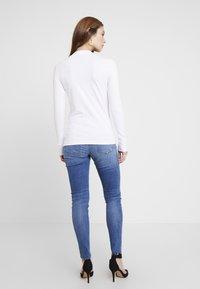 Guess - KUMIKO - Long sleeved top - true white - 2
