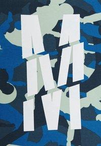 Monta Juniors - TRENTO - T-shirts med print - light khaki - 2