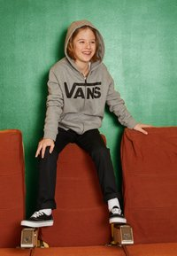 Vans - BY VANS CLASSIC ZIP HOODIE II BOYS - Hoodie met rits - cement heather/black - 3