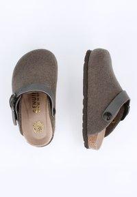 Genuins - Slippers - grau - 1