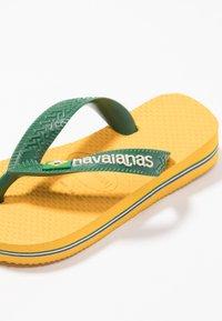 Havaianas - BRASIL LOGO - Pool shoes - Banana Yellow/Khaki - 2