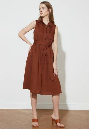 HAKI - Day dress - brown