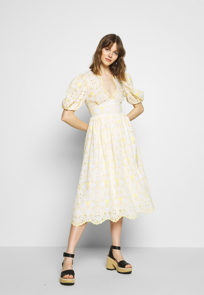 Vivetta - DRESS - Vestito estivo - fantasia bianco/giallo