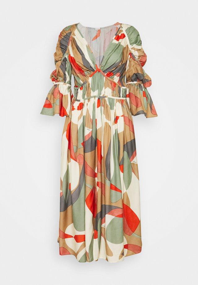 ANYSIA DRESS - Robe longue - light lava