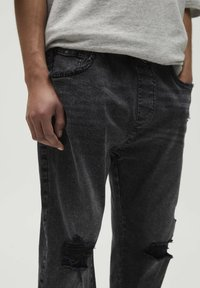 PULL&BEAR - Jeans Tapered Fit - black - 3