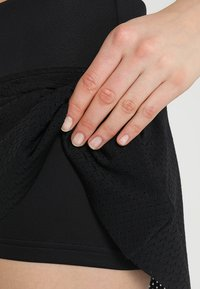 BIDI BADU - CHARLIE TECH SKORT - Sports skirt - black - 6