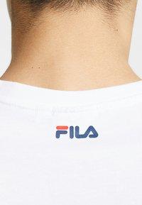 Fila - PURE - Print T-shirt - bright white - 5