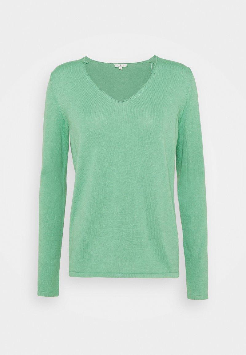 TOM TAILOR - BASIC V-NECK - Jumper - soft leaf green