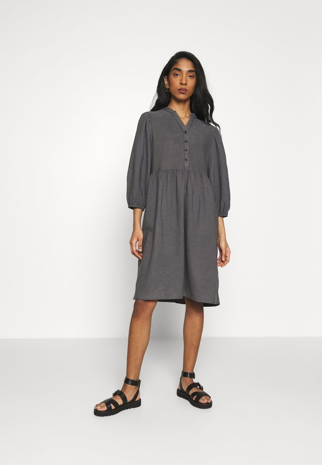 NUBELLIS DRESS - Kjole - dark shadow