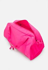 Nike Sportswear - Sportovní taška - hyper pink/hyper pink/black - 2