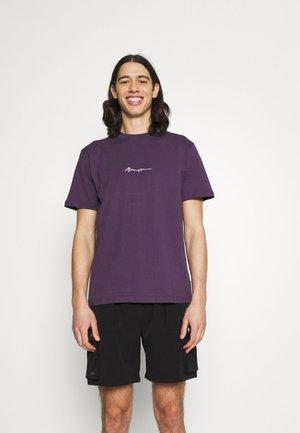 ESSENTIAL REGULAR UNISEX - Printtipaita - purple