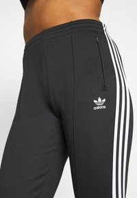 adidas Originals - PANTS - Træningsbukser - black/white - 5