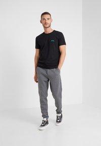 BOSS - HADIKO  - Pantaloni sportivi - medium grey - 1