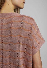 Nümph - NUDARLENE DARLENE - Print T-shirt - ash rose - 3