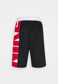 Nike Performance - Pantaloncini sportivi - black/white/university red - 6