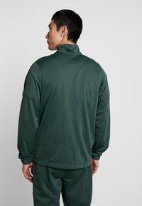 Nike Sportswear - SUIT BASIC - Tepláková souprava - galactic jade/white - 2