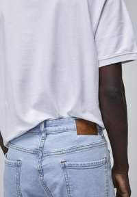 PULL&BEAR - Jeansy Straight Leg - mottled light blue - 4