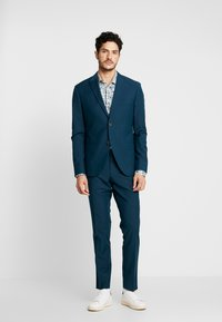 Isaac Dewhirst - FASHION SUIT - Suit - teal - 1