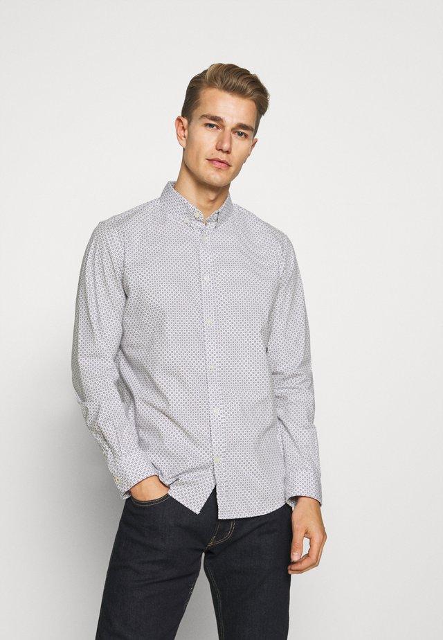 REGULAR PRINTED - Shirt - white/navy