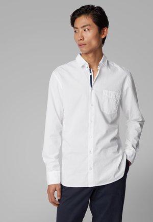 MAGNETON_1 - Overhemd - white
