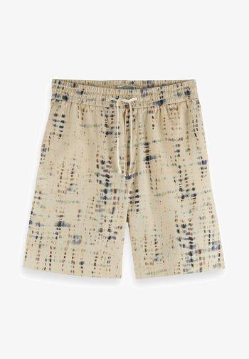 SEASONAL FIT BERMUDA PRINTED - Shorts - beige