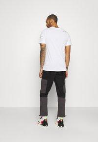 Topman - BELTED CARGO - Cargo trousers - black - 2