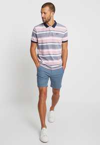 Selected Homme - SLHSTRAIGHT CHRIS - Shorts - blue shadow - 1