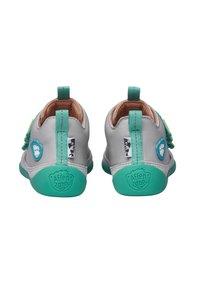Affenzahn - BARFUSSSCHUH HUND - Baby shoes - grey - 3