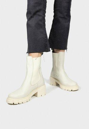 Platform ankle boots - hielo