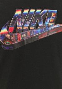 Nike Sportswear - TEE WORLDWIDE - T-shirt con stampa - black - 2