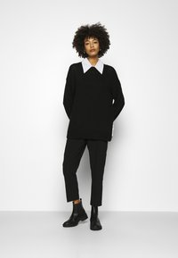Marc O'Polo - LONGSLEEVE ROUND NECK - Pullover - black - 1