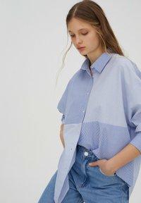 PULL&BEAR - Button-down blouse - blue - 2