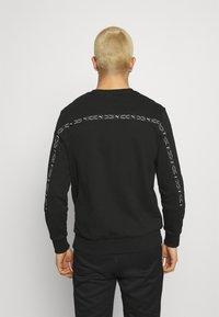 Puma - ELEVATE CREW  - Sweatshirt - black - 2